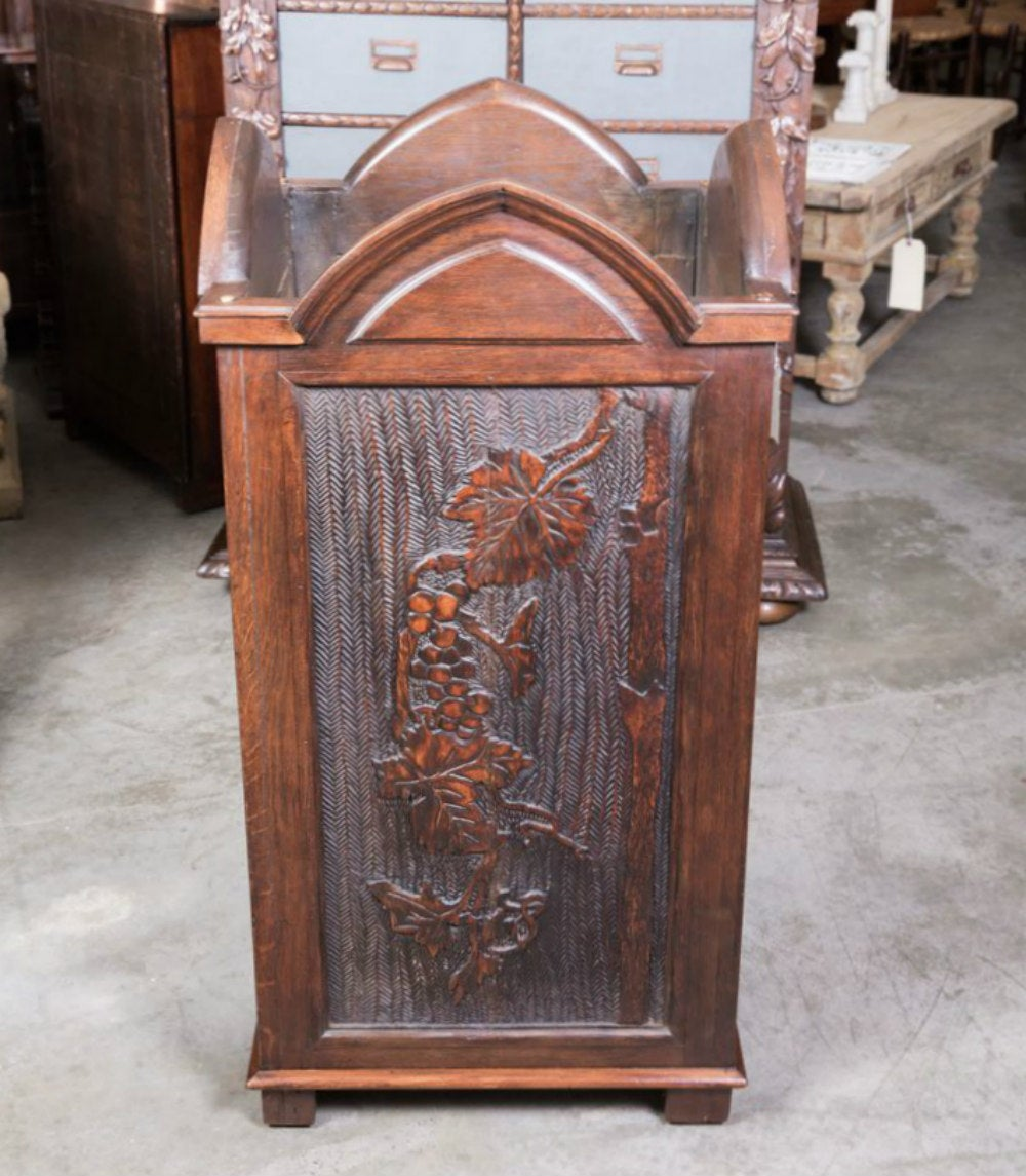 large french gothic style wood planter at 1stdibs. Black Bedroom Furniture Sets. Home Design Ideas