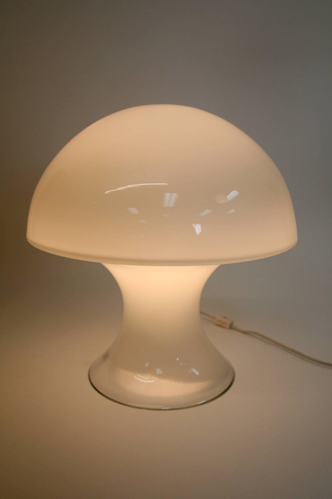 murano glass mushroom lamp by gino vistosi at 1stdibs. Black Bedroom Furniture Sets. Home Design Ideas