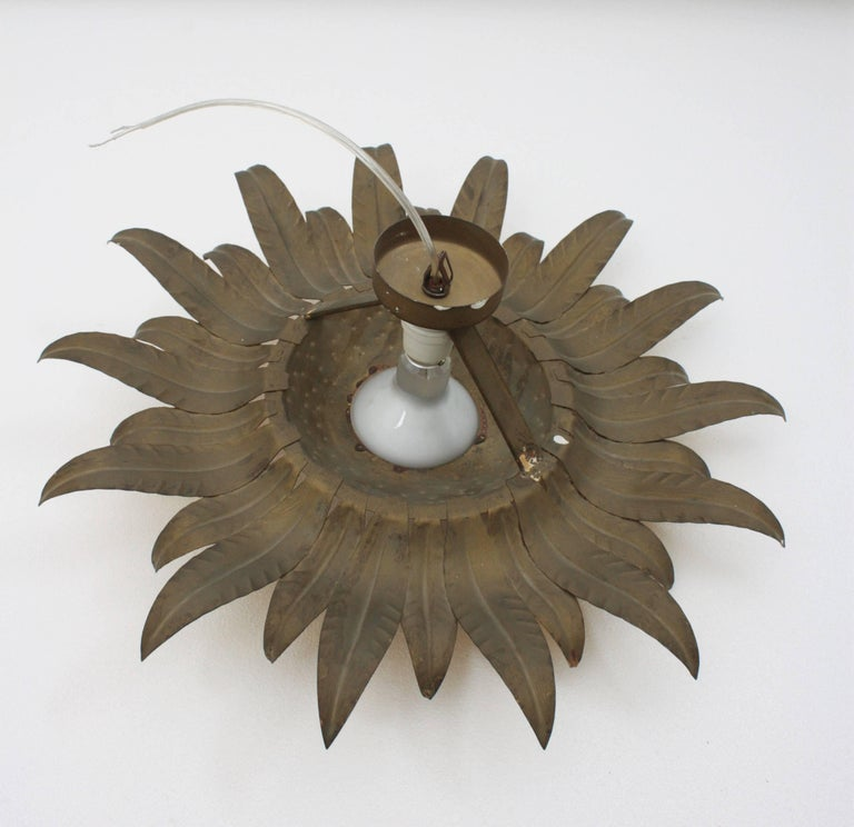 Midcentury Gilt Metal Sunburst Flower Shaped Light Fixture with Green Accents For Sale 3