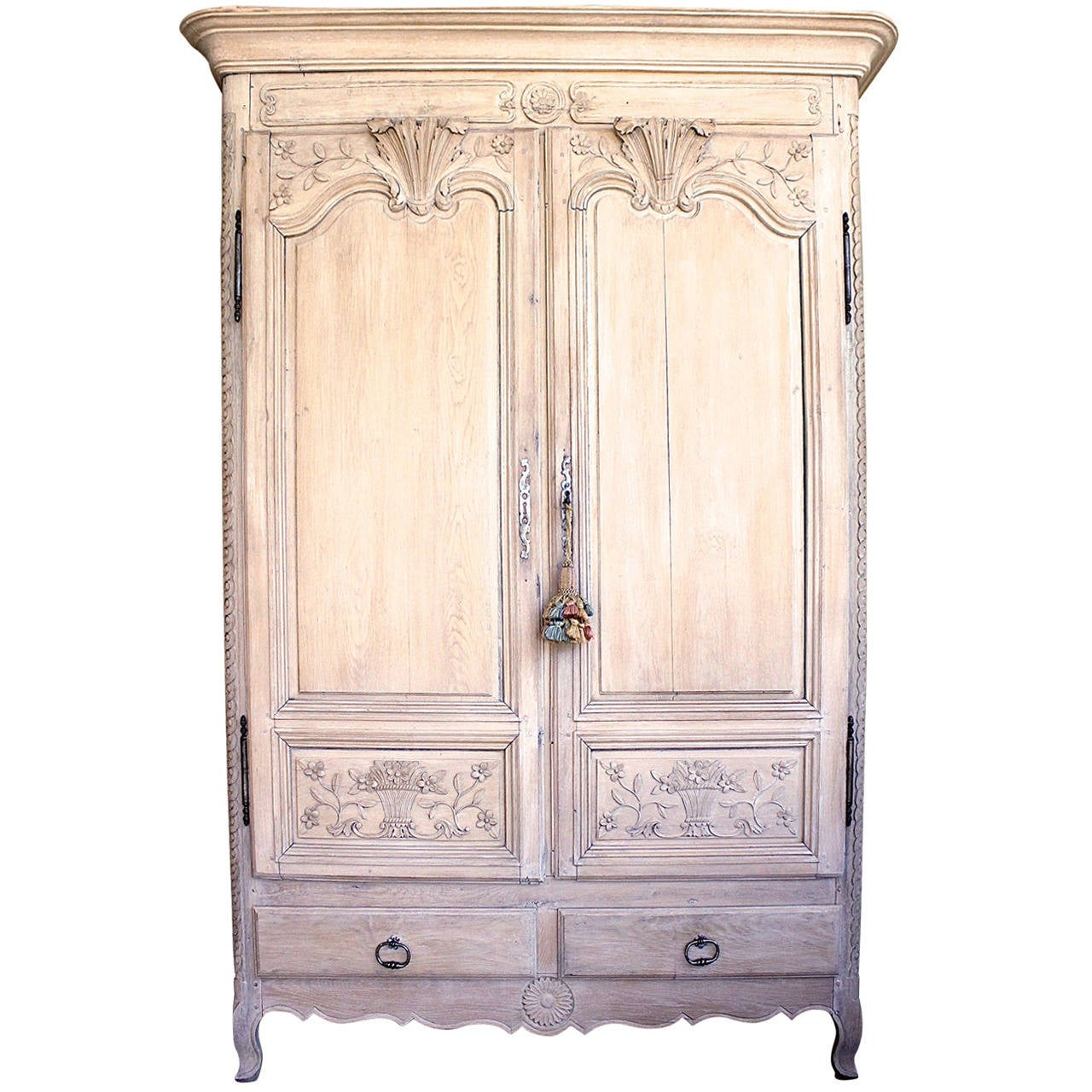 french louis xvi style carved oak armoire at 1stdibs. Black Bedroom Furniture Sets. Home Design Ideas