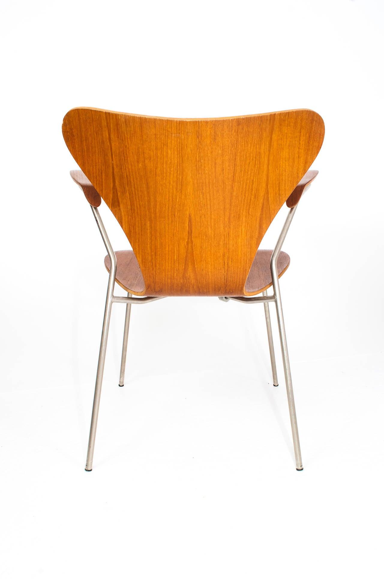 Arne Jacobsen Series Seven Teak Chairs 3207 at 1stdibs