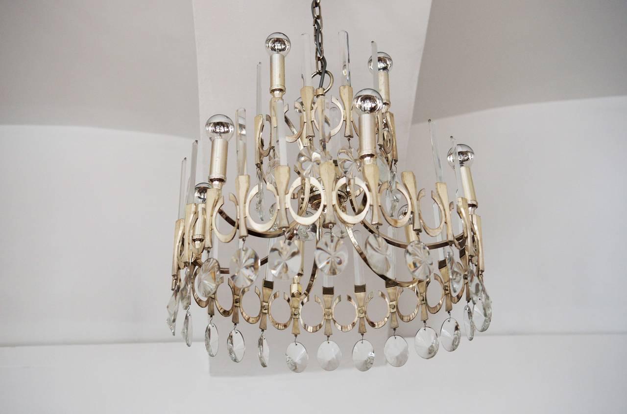 Beautifully designed chandelier by Gaetano Sciolari from 1960s