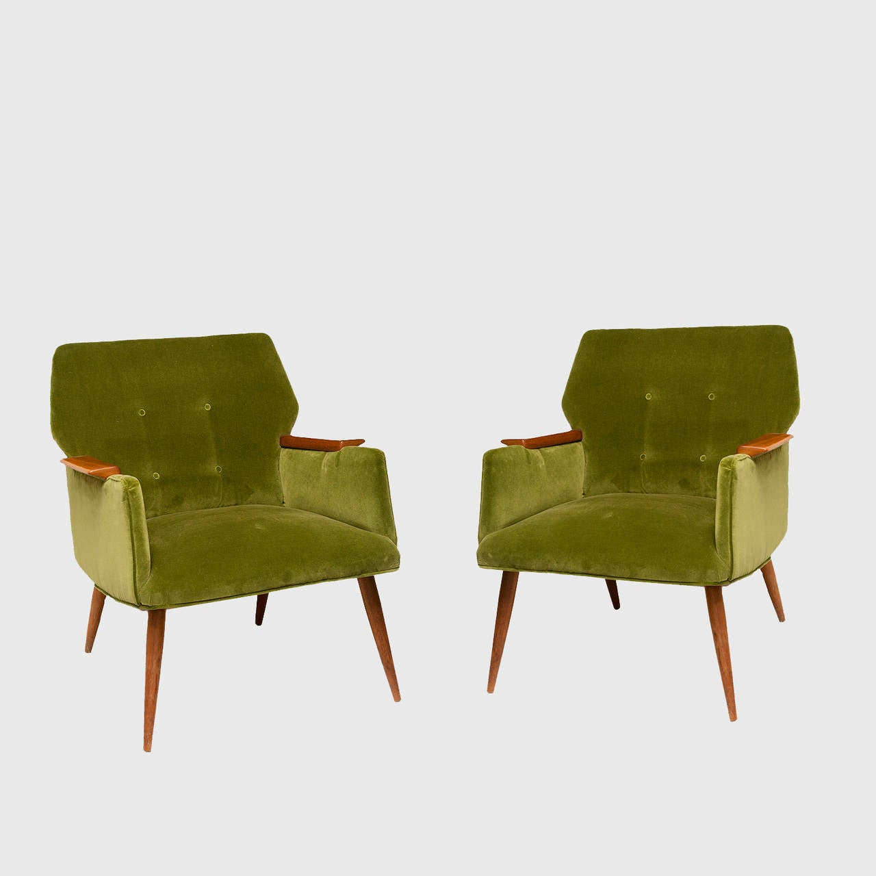 Pair of mid century modern armchairs at 1stdibs for Mid century modern armchairs