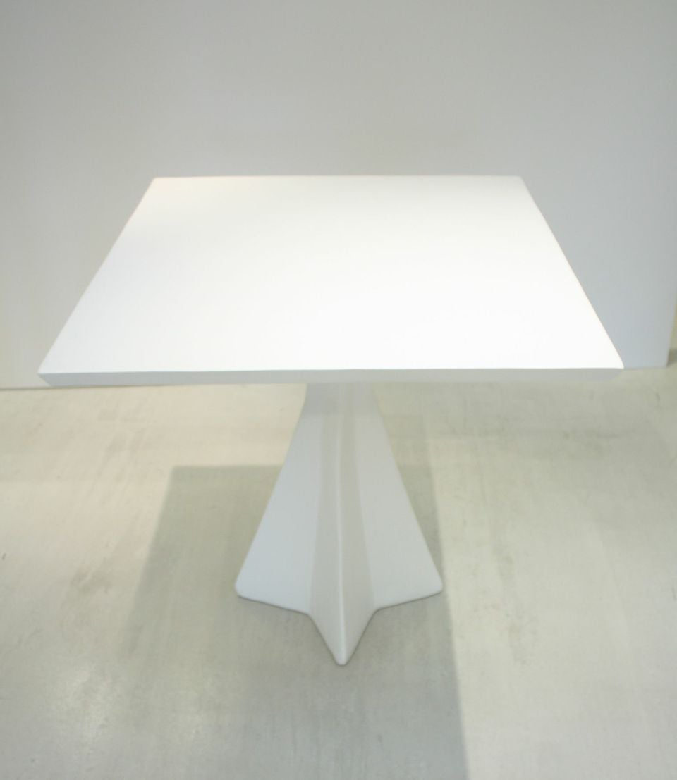 White Plaster Centre Table with Star Base For Sale at 1stdibs : srBw7ouqWiRmTfl1z1FidlCKhGdF7s7ORZufKn5R4Js 1 from www.1stdibs.com size 960 x 1107 jpeg 33kB