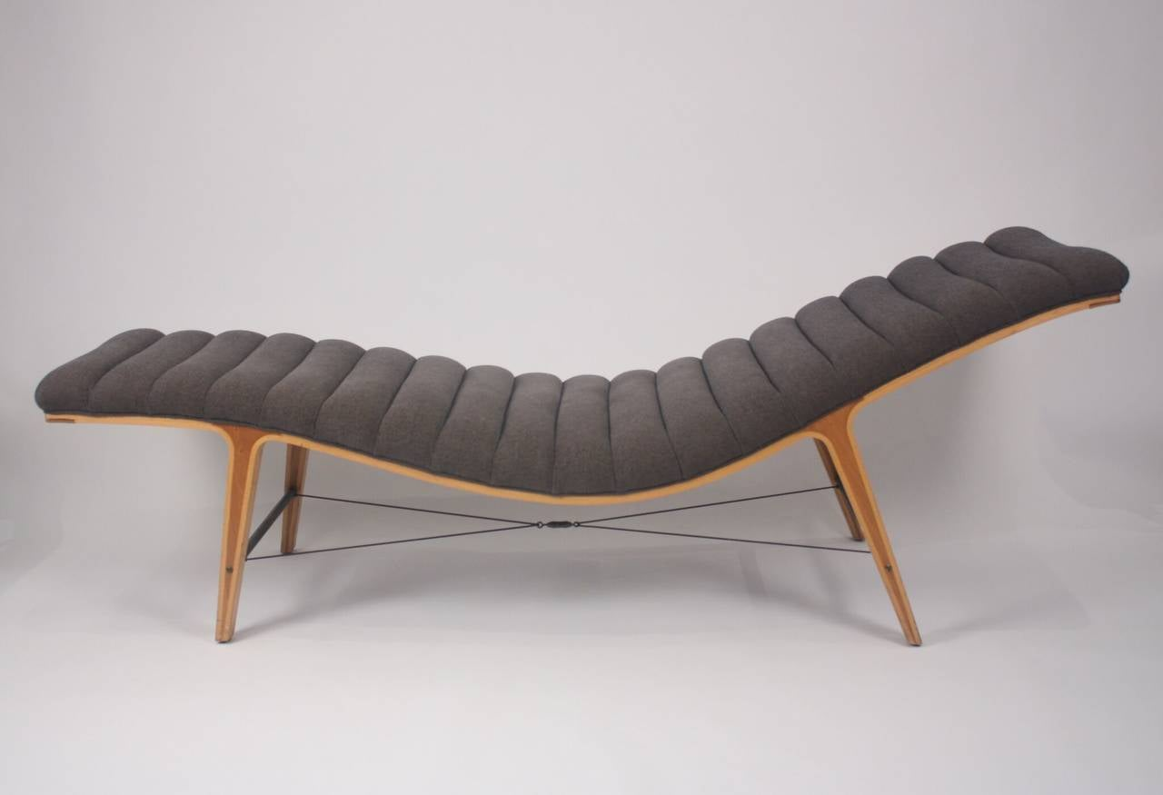"Edward Wormley for Dunbar ""Listen to Me"" Chaise, circa 1949 In Excellent Condition For Sale In Dallas, TX"