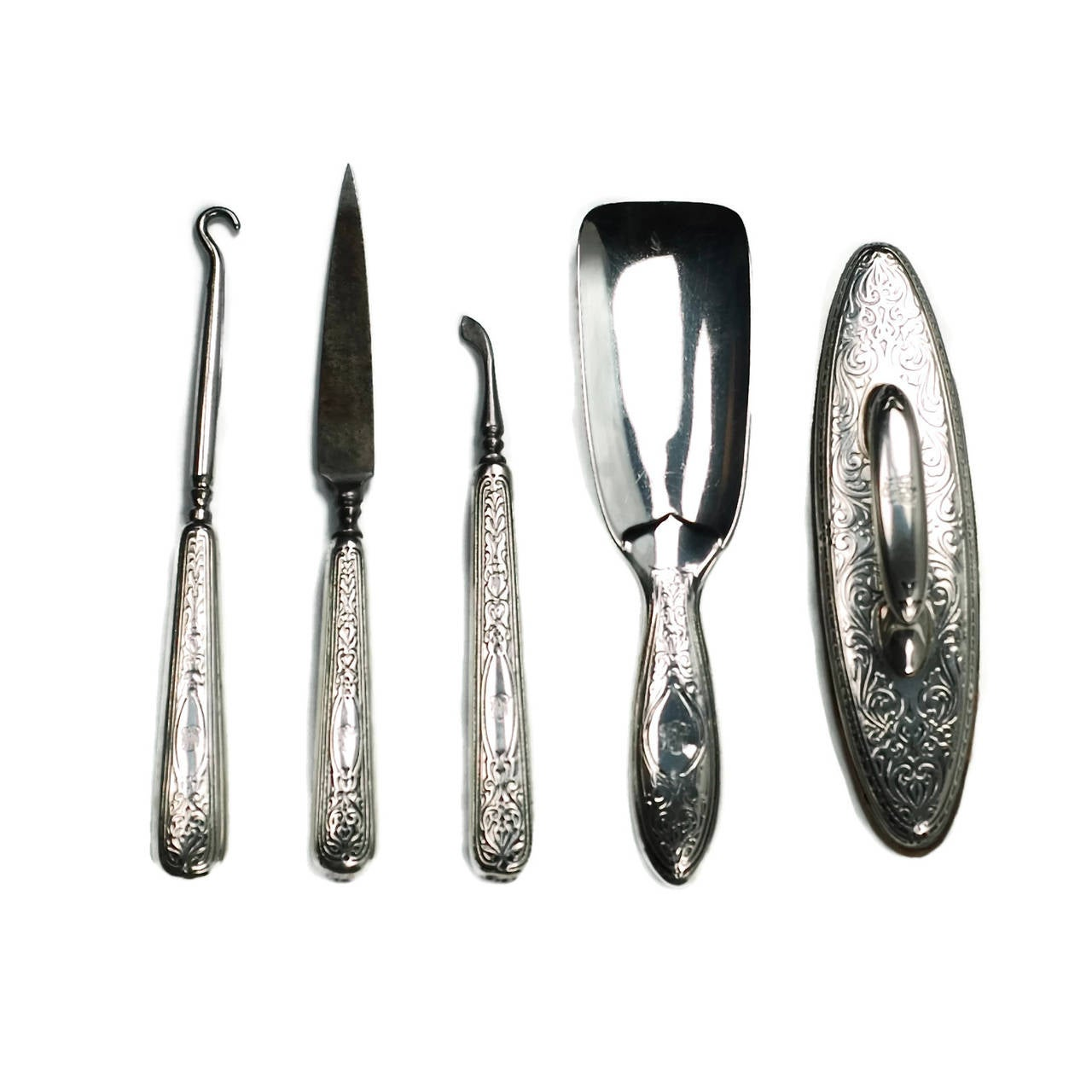 20th Century Edwardian Tiffany & Co. Sterling Silver 13-Piece Vanity Set For Sale