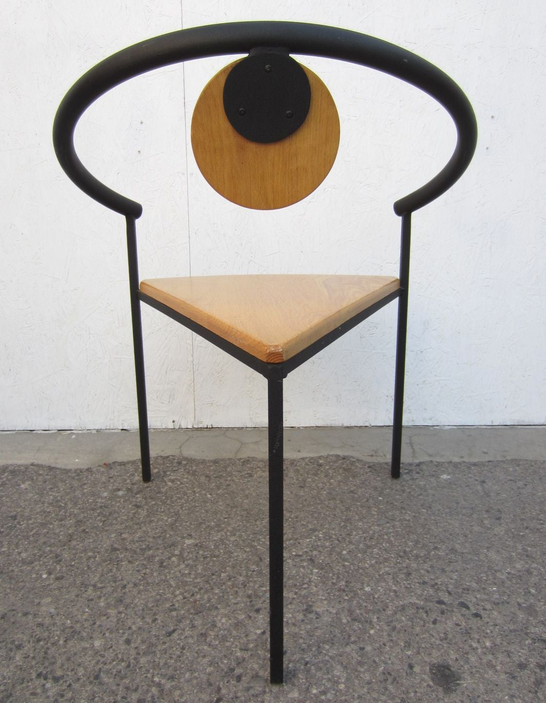 Six memphis post modern dining or arm chairs in the style for Post modern chair