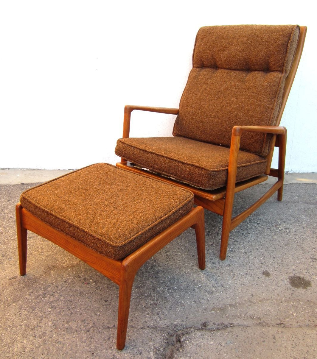 Mid 20th Century 1950 Danish Modern Lounge Chair And Ottoman Ib