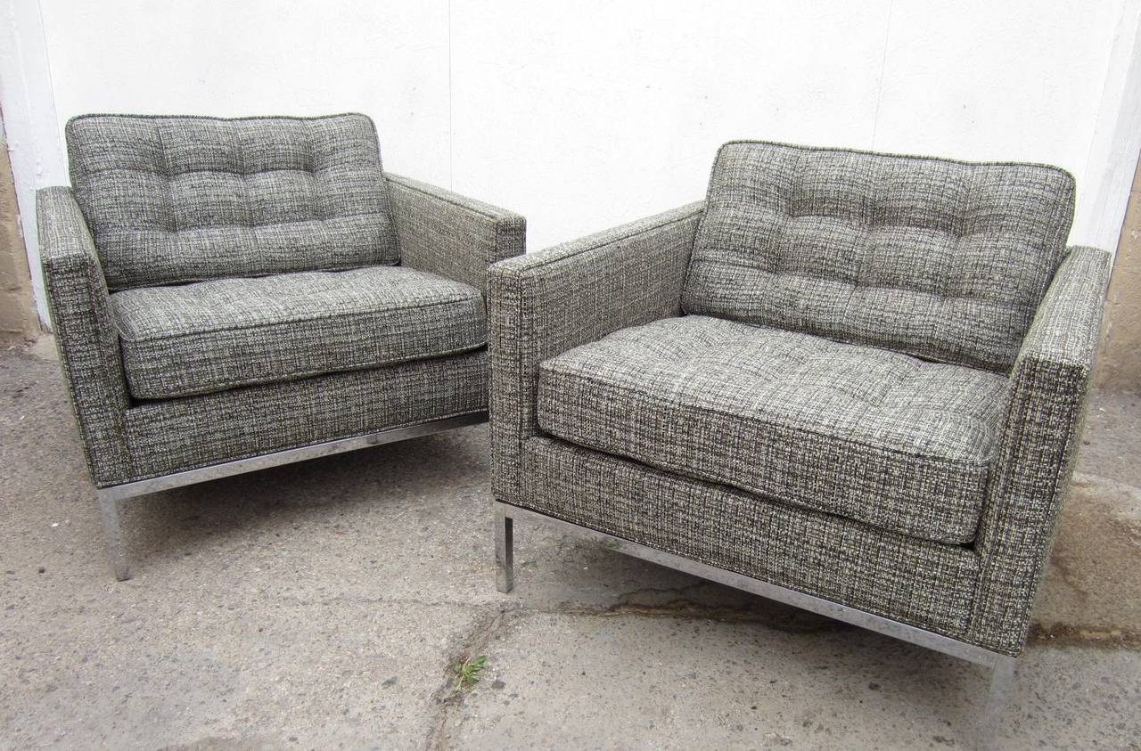 Exceptional American Pair Of Mid Century Modern Florence Knoll Club Chairs For Sale