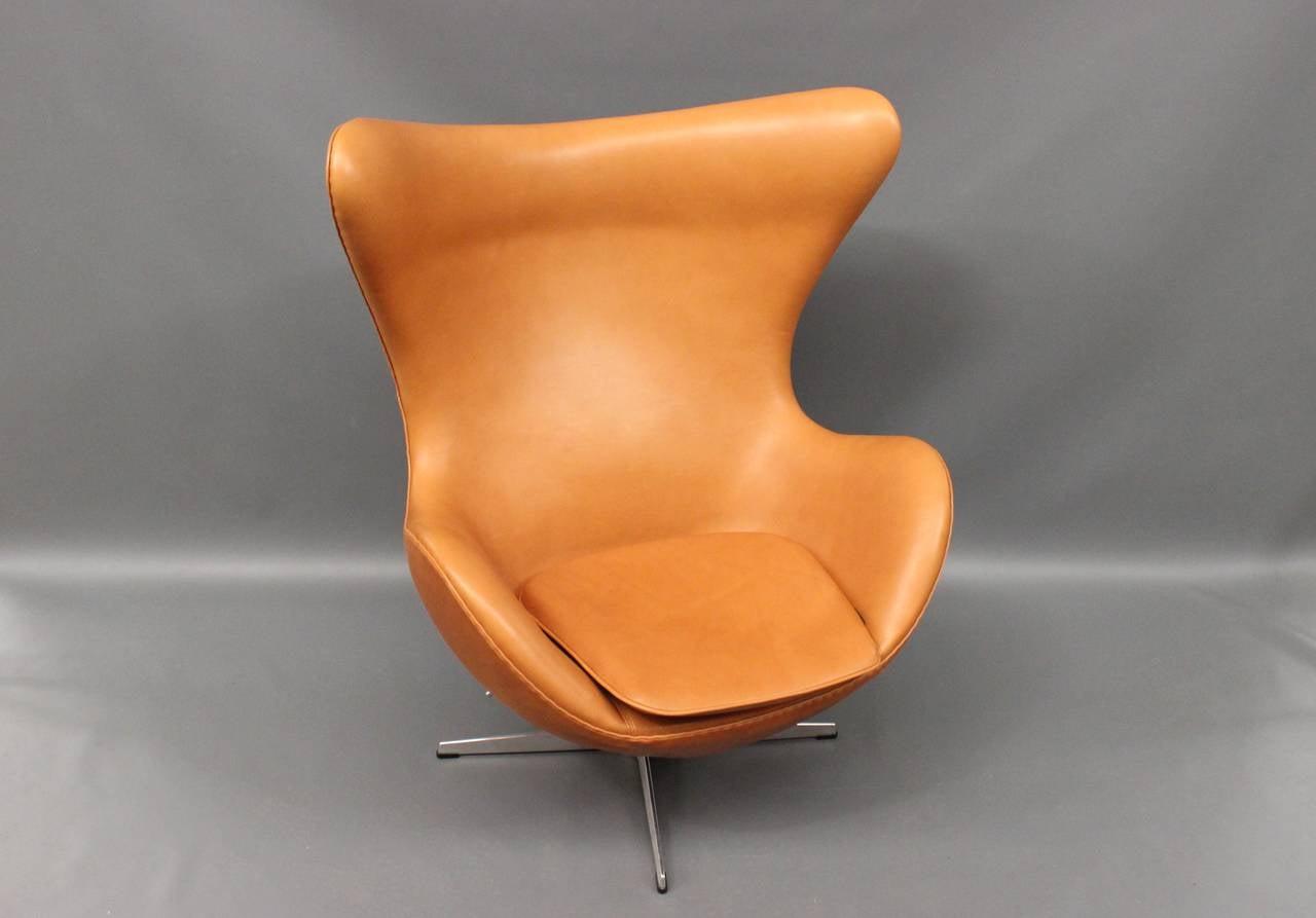 Danish The Egg, model 3316, by Arne Jacobsen,and by Fritz Hansen For Sale