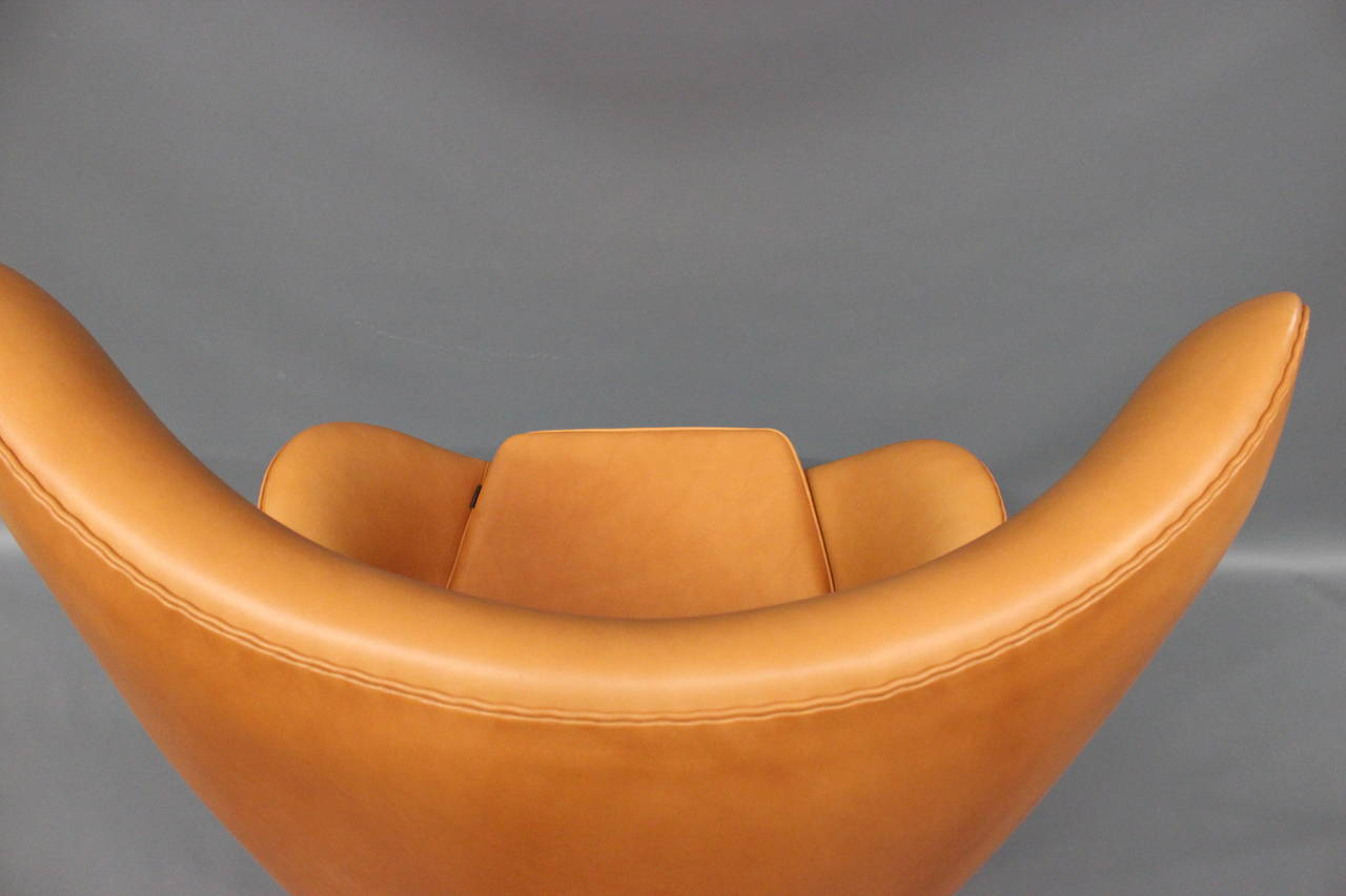 20th Century The Egg, model 3316, by Arne Jacobsen,and by Fritz Hansen For Sale