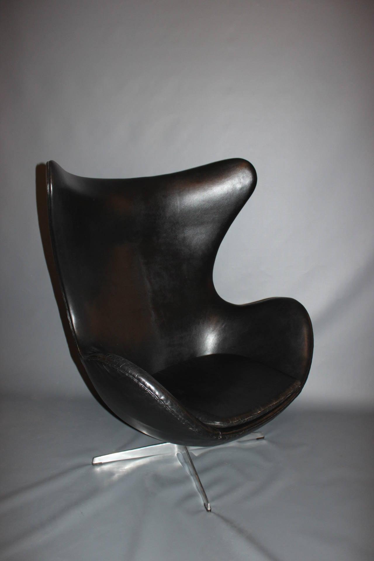 The Egg, Model 3316, Original Upholstery by Arne Jacobsen & Fritz Hansen, 1963 For Sale 2