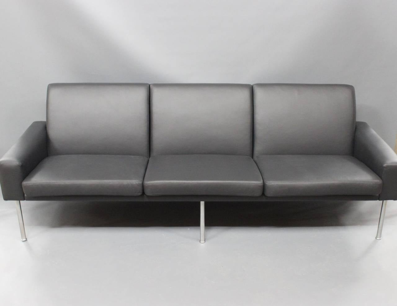 hans j wegner sofa model 34 3 in black savanne leather 1960 for sale at 1stdibs. Black Bedroom Furniture Sets. Home Design Ideas