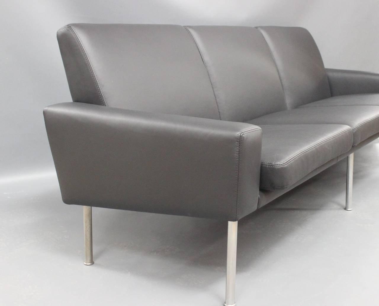 Scandinavian Modern Three-Seat Sofa, Model 34/3, by Hans J. Wegner in Black Savanne Leather, 1960 For Sale