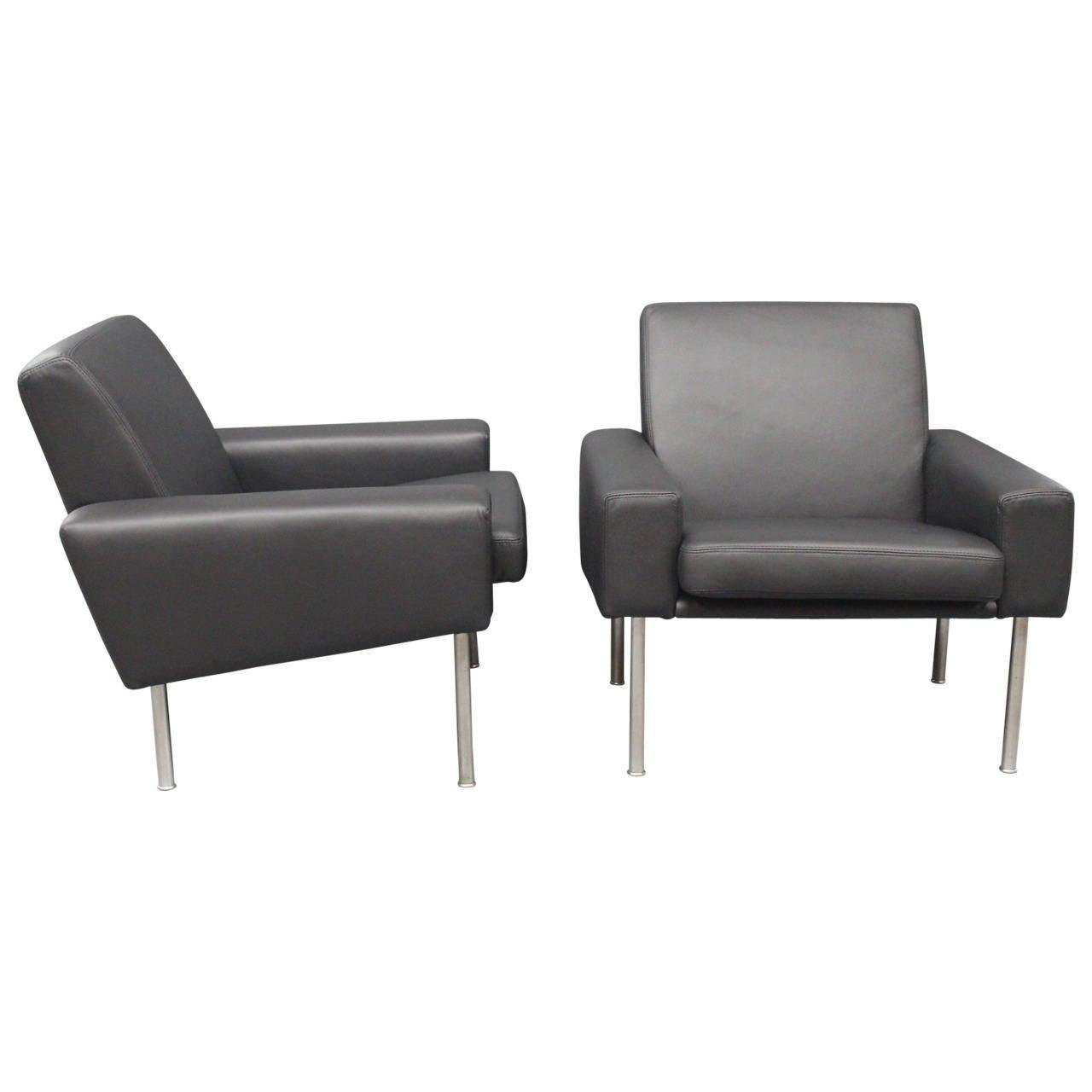 Pair of Lounge Chairs, Model 34/1, Black Savanne Leather by Hans Wegner, 1960