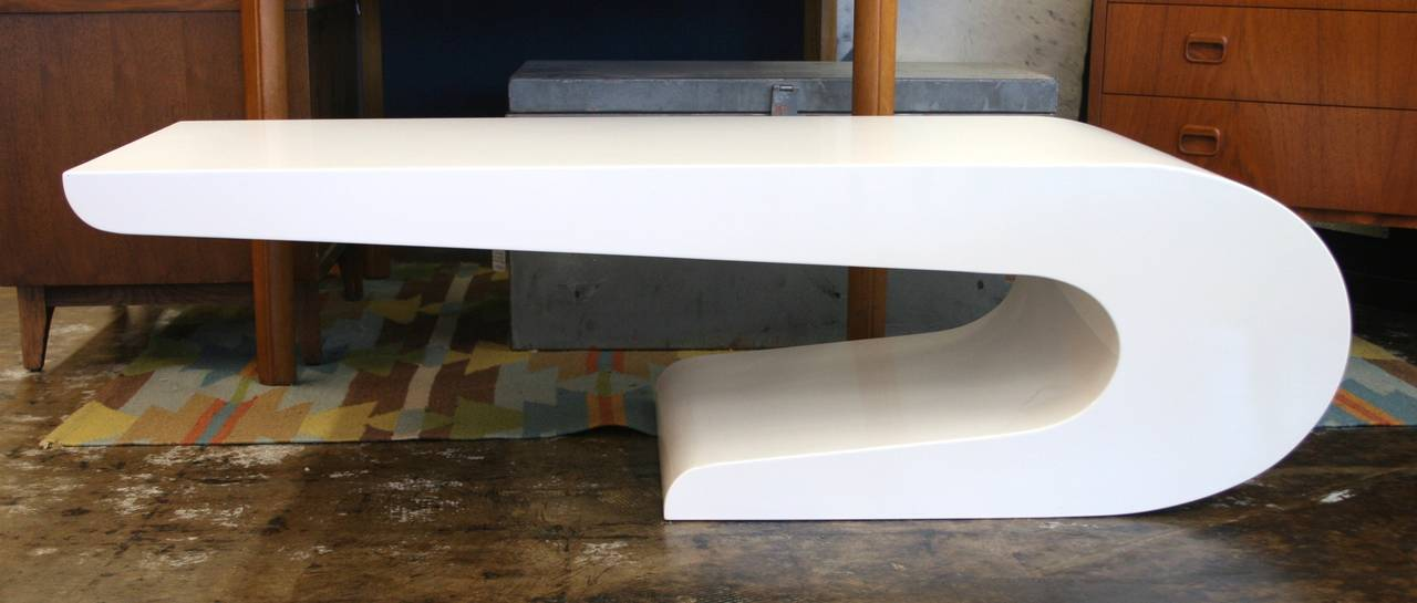 Pierre Cardin Style Coffee Table in White Lacquer, circa 1970 2