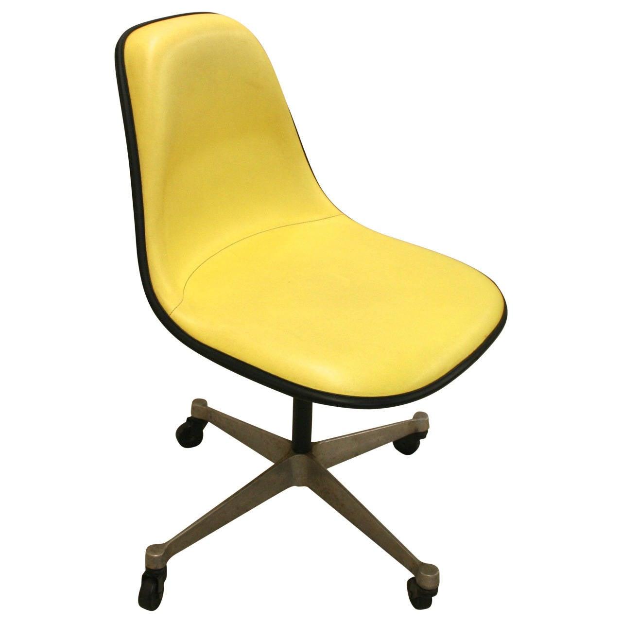 Mid Century Herman Miller Fiberglass Shell Chair at 1stdibs