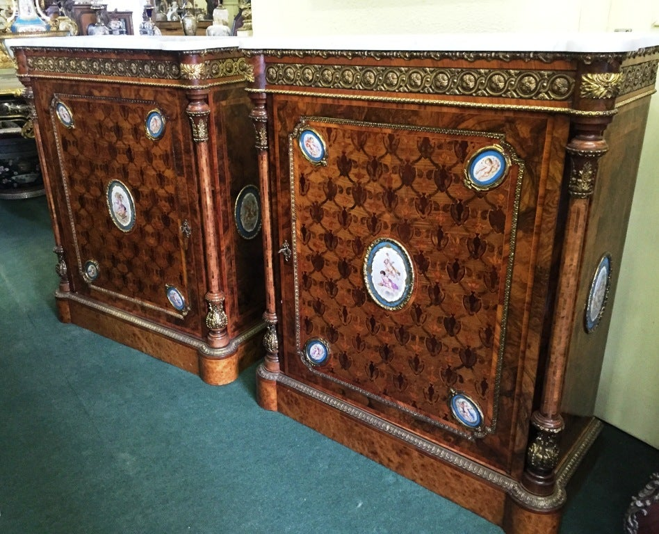 Pair of 19th Century Kingwood Pier Cabinets with Sèvres Plaques In Good Condition For Sale In Brighton, Sussex