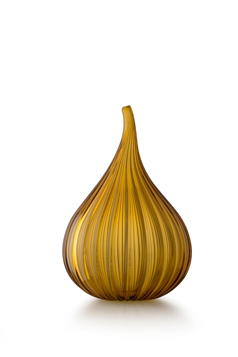 For Sale: Gold (73662) Large Drops Lucido Vase in Glass by Renzo Stellon