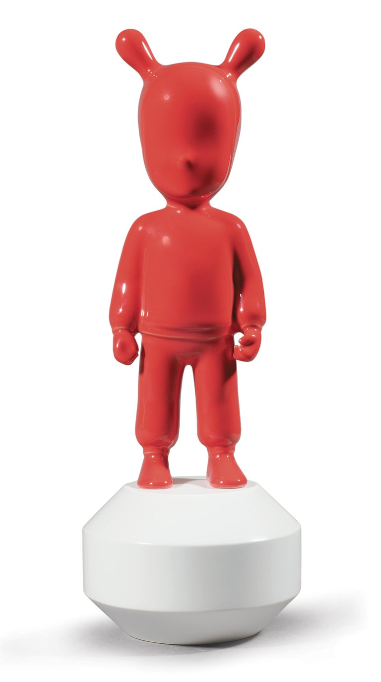 For Sale: Red (Red on White) Lladro Guest Little Figurine by Lladró Atelier