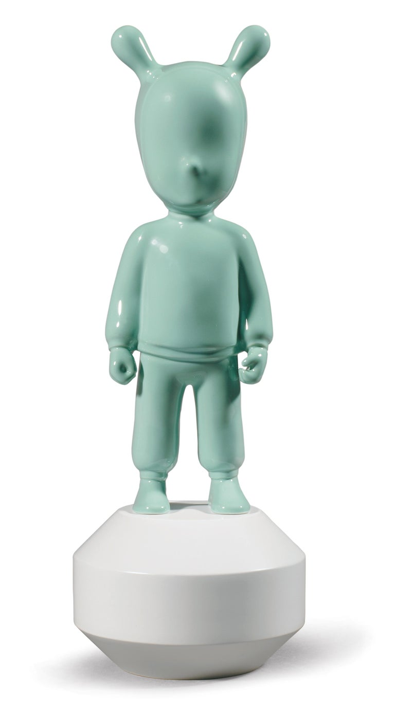 For Sale: Green (Mint on White) Lladro Guest Little Figurine by Lladró Atelier