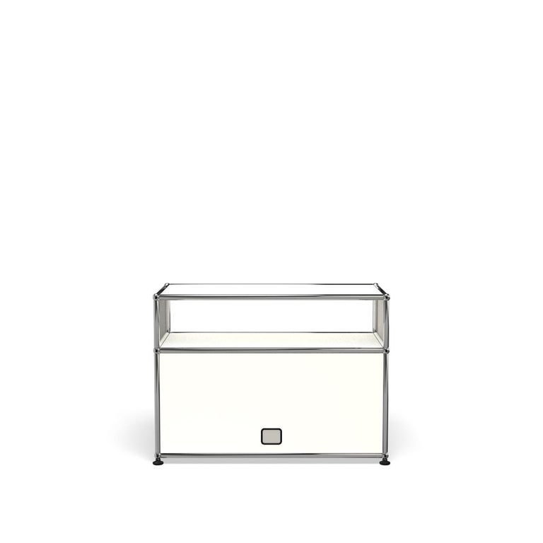 For Sale: White (Pure White) Haller Side Table 0118 by USM 4