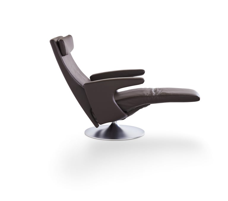 For Sale: Gray (Umbra) Smile Adjustable Rotating Leather Armchair by FSM 3