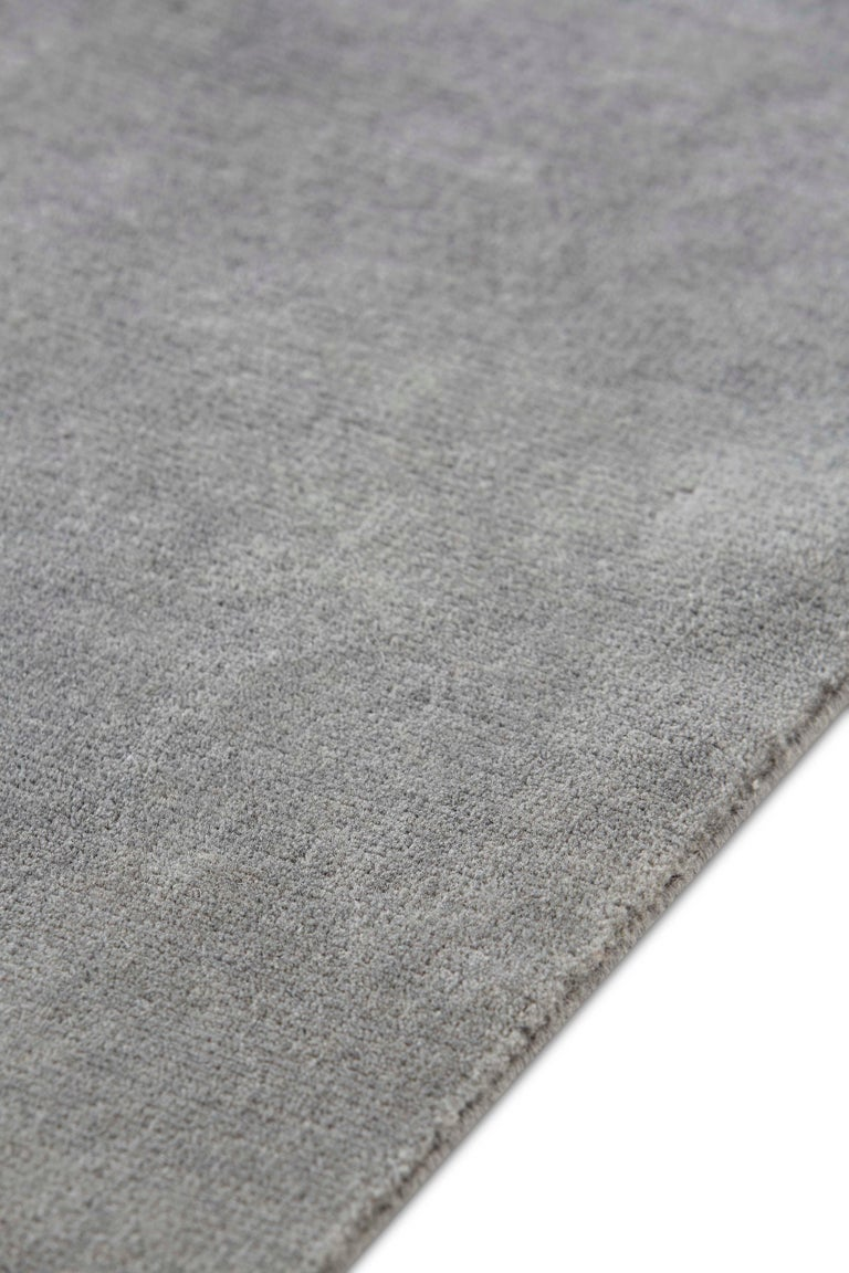 For Sale: Gray (Beige Gray) GAN Hand Knotted Degrade Medium Rug by Patricia Urquiola 3