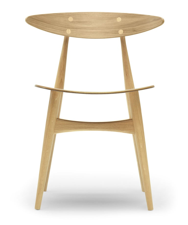 For Sale: Brown (Oak Lacquer) CH33T Dining Chair in Wood by Hans J. Wegner