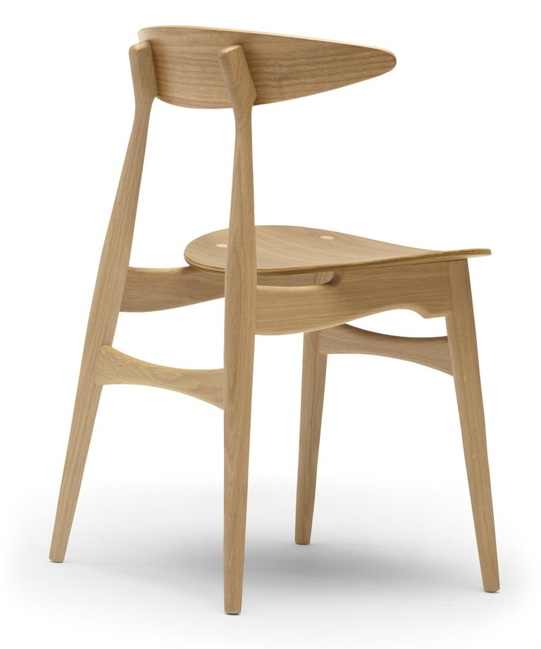 For Sale: Brown (Oak Lacquer) CH33T Dining Chair in Wood by Hans J. Wegner 2