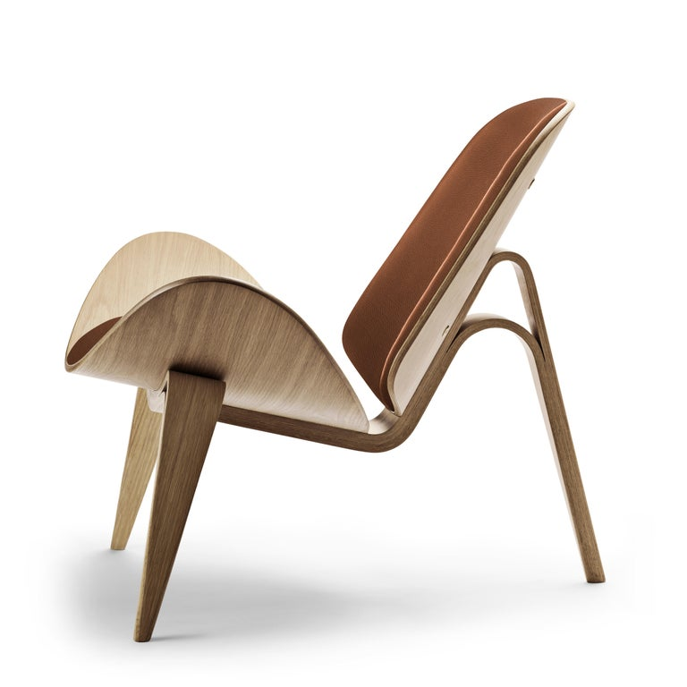For Sale: Brown (Thor 307) CH07 Shell Chair in Oak White Oil with Leather Seat by Hans J. Wegner 2