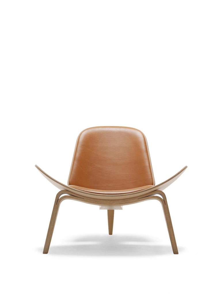 For Sale: Brown (Sif 91) CH07 Shell Chair in Oak White Oil with Leather Seat by Hans J. Wegner