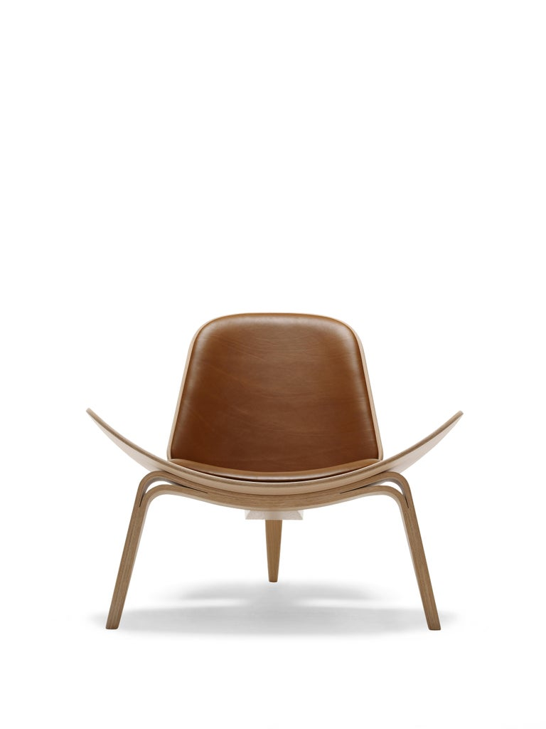 For Sale: Brown (Sif 95) CH07 Shell Chair in Oak White Oil with Leather Seat by Hans J. Wegner