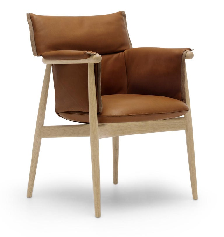 For Sale: Brown (Loke 7748) E005 Embrace Dining Chair in Oak Soap with Natural Edging Strip by EOOS 2