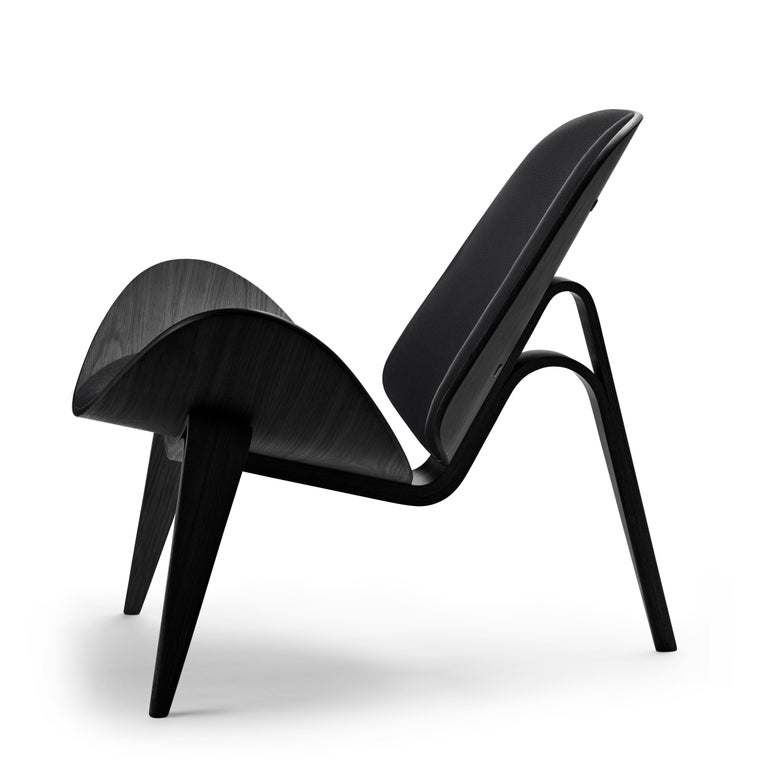 For Sale: Black (Thor 301) CH07 Shell Chair in Oak Painted Black with Foam Seat by Hans J. Wegner 2