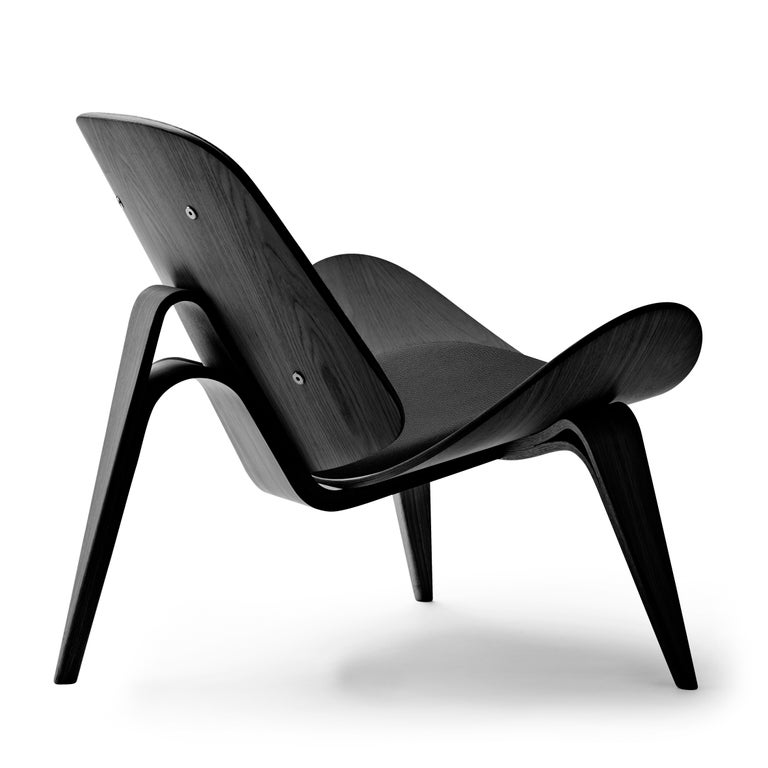 For Sale: Black (Thor 301) CH07 Shell Chair in Oak Painted Black with Foam Seat by Hans J. Wegner 3