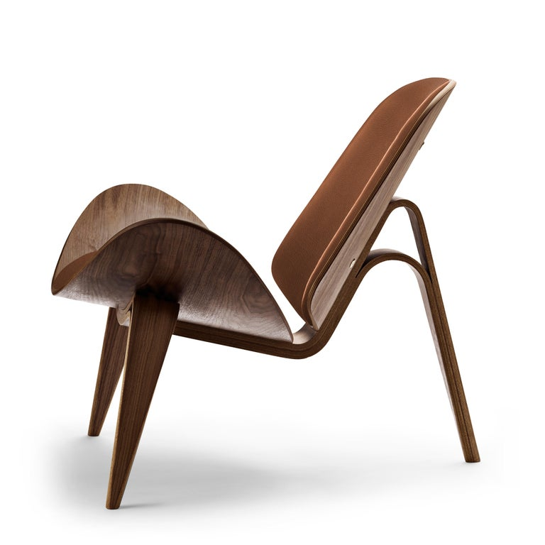 For Sale: Brown (Thor 307) CH07 Shell Chair in Walnut Oil with Leather Seat by Hans J. Wegner 2