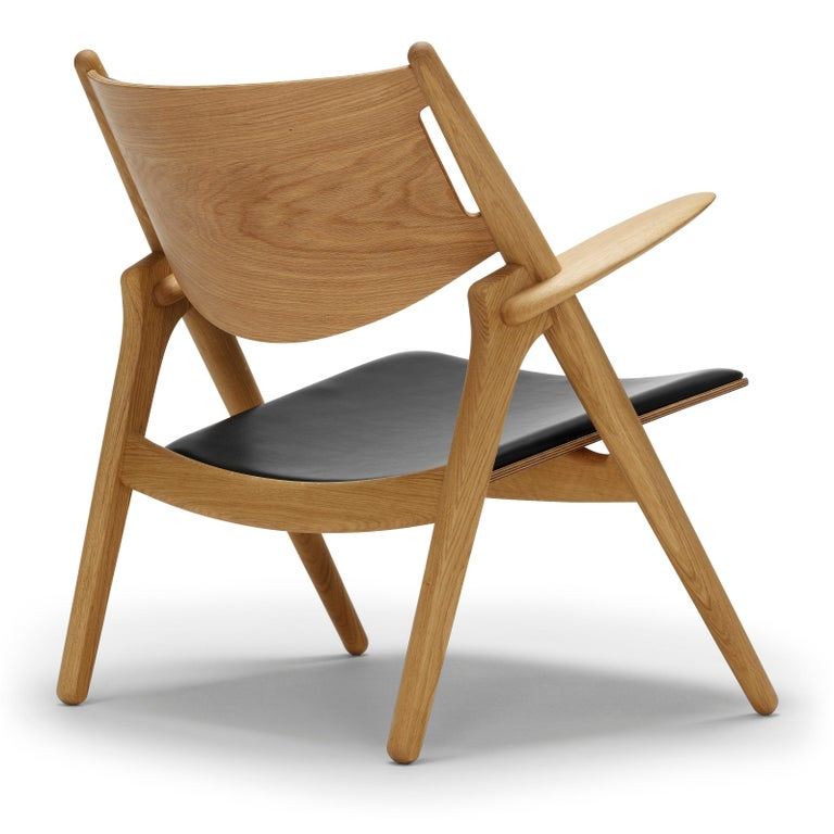 For Sale: Black (Thor 301) CH28P Lounge Chair in Oiled Oak with Foam Seat by Hans J. Wegner 3