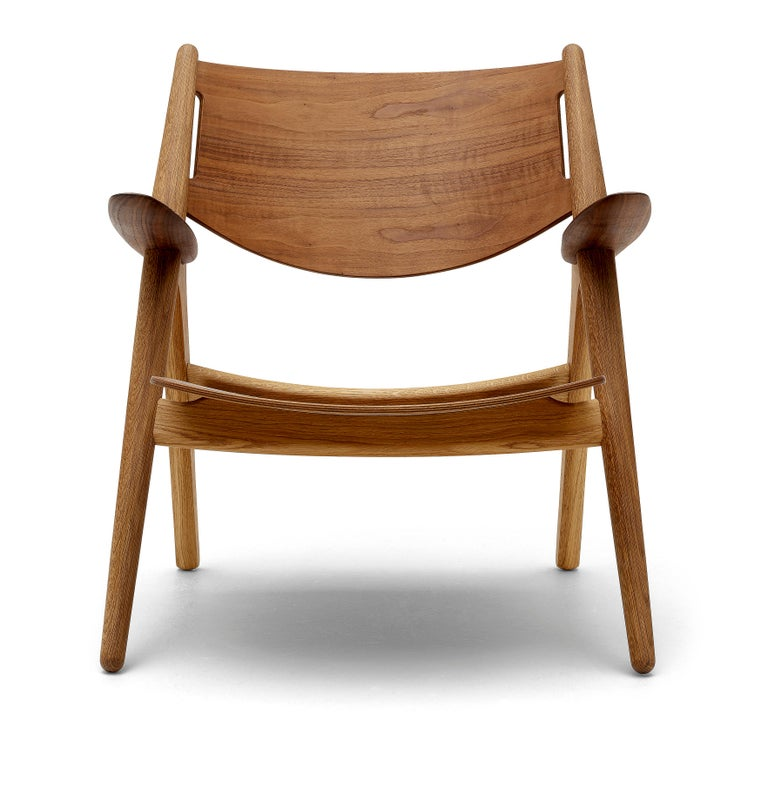 CH28T Lounge Chair in Wood Finish by Hans J. Wegner For Sale 1