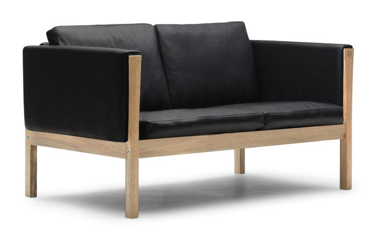 For Sale: Black (Thor 301) CH162 Sofa in Oiled Oak Frame with Leather Upholstery by Hans J. Wegner 2