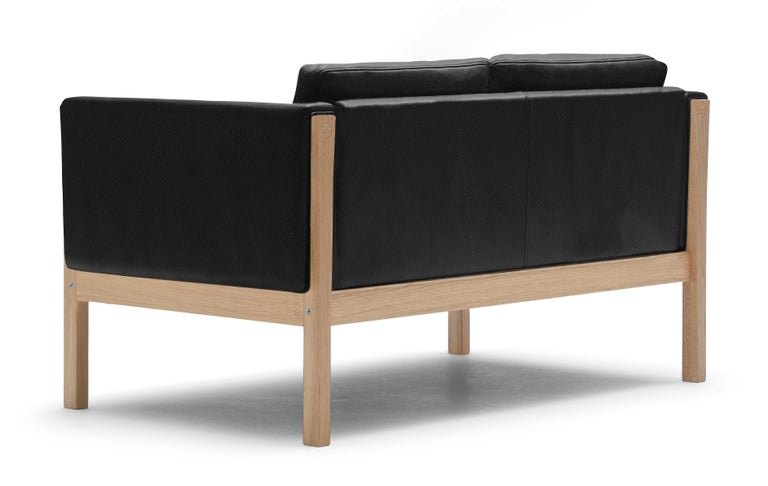 For Sale: Black (Thor 301) CH162 Sofa in Oiled Oak Frame with Leather Upholstery by Hans J. Wegner 3
