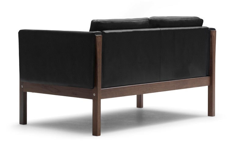For Sale: Black (Thor 301) CH162 Sofa in Walnut Oil Frame with Leather Upholstery by Hans J. Wegner 3
