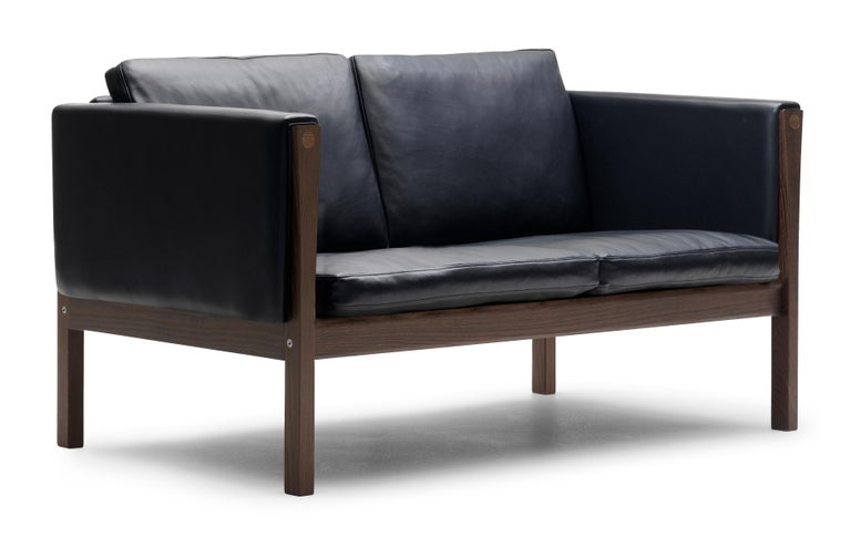 For Sale: Black (Sif 98) CH162 Sofa in Walnut Oil Frame with Leather Upholstery by Hans J. Wegner 2