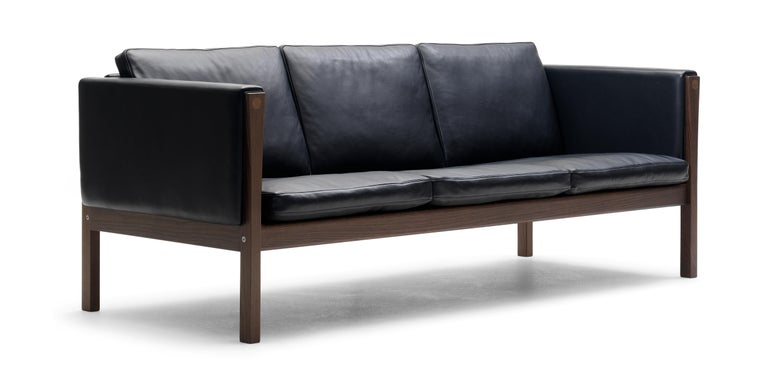 For Sale: Black (Sif 98) CH163 Sofa in Walnut Oil Frame with Leather Upholstery by Hans J. Wegner 2