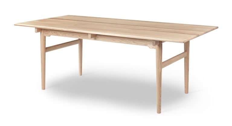 For Sale: Beige (Oak White Oil) CH327 Small Dining Table in Wood Finish by Hans J. Wegner 2