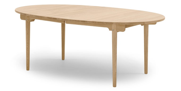 For Sale: Brown (Oak Oil) CH388 Round Dining Table in Wood Finish by Hans J. Wegner 2