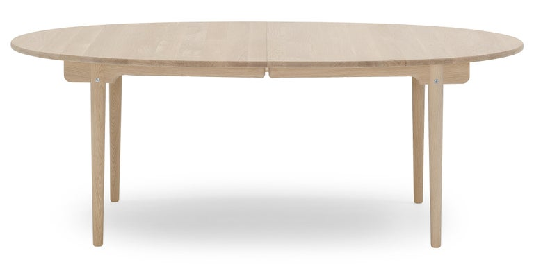 For Sale: Brown (Oak Soap) CH388 Round Dining Table in Wood Finish by Hans J. Wegner
