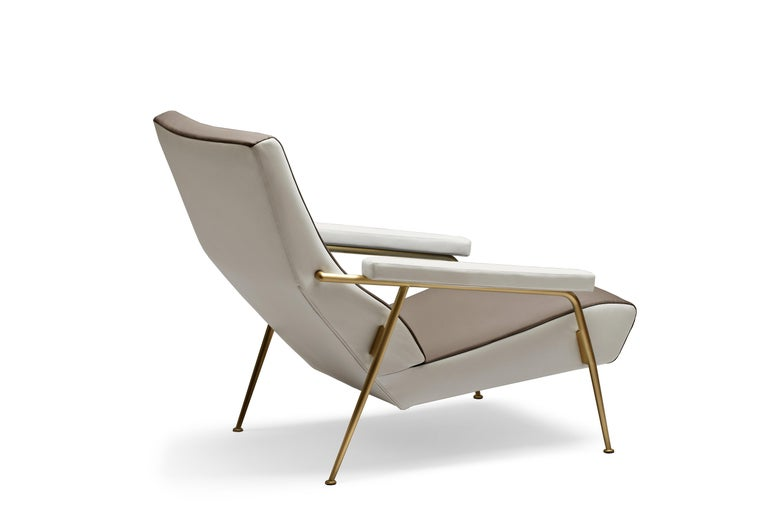 For Sale: Beige (S1211-1222_Paper White / Sand) Molteni&C D.153.1 Armchair in Leather by Gio Ponti 2