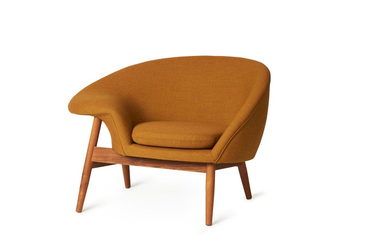 For Sale: Brown (Canvas 424) Fried Egg Monochrome Chair, by Hans Olsen from Warm Nordic 2