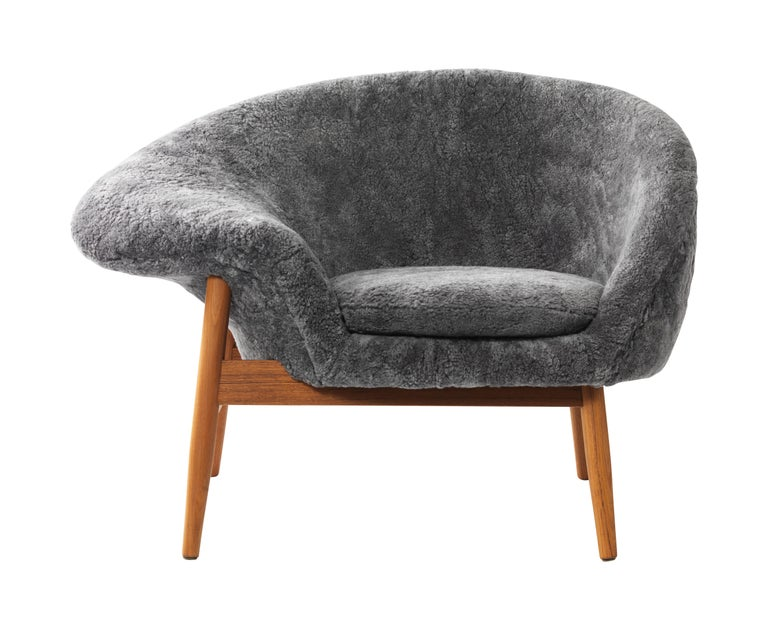 For Sale: Gray (Sheep Scandinavian Grey) Fried Egg Chair Sheep Chair, by Hans Olsen from Warm Nordic